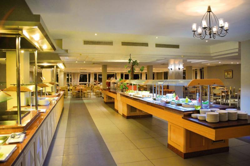 Hotel Club Tropicana & Spa  Bar