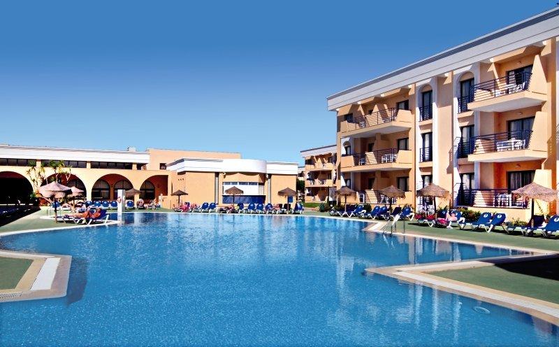 Sol Sancti Petri Pool