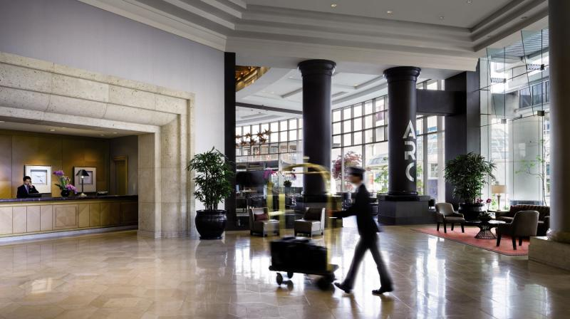 The Fairmont Waterfront Lounge/Empfang
