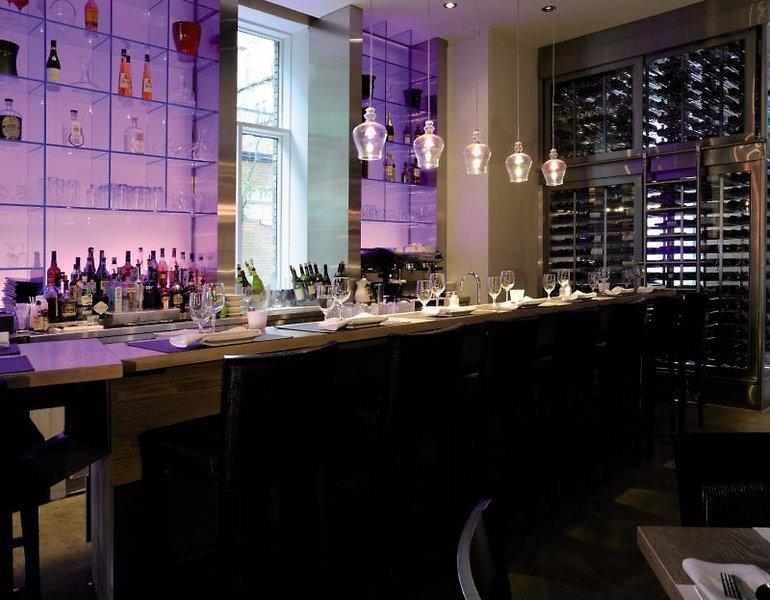 Hotel 71 Bar