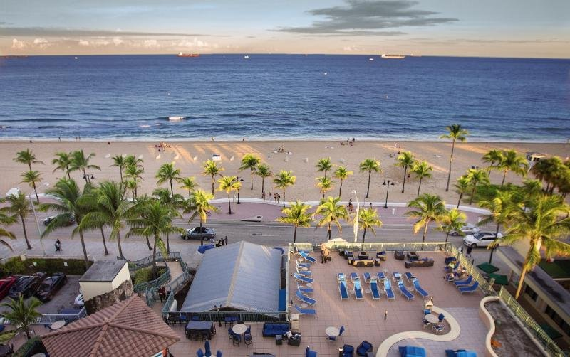 Courtyard Fort Lauderdale Beach Strand