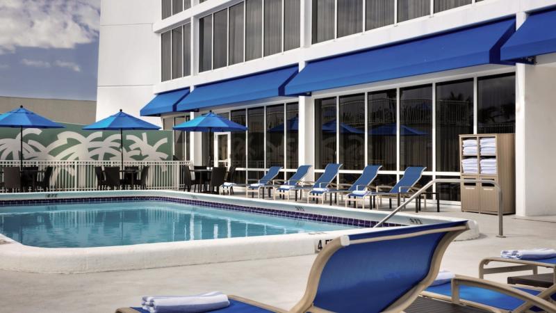 Courtyard Fort Lauderdale Beach Pool