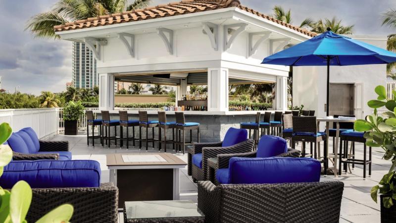 Courtyard Fort Lauderdale Beach Bar
