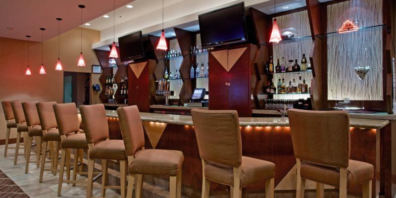 Crowne Plaza Houston River Oaks Bar