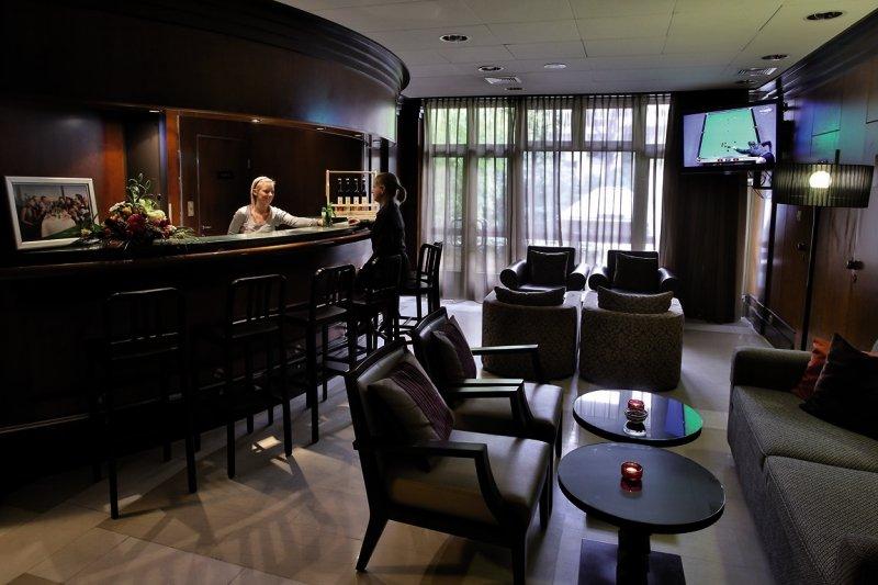 Adina Apartment Hotel Budapest Bar
