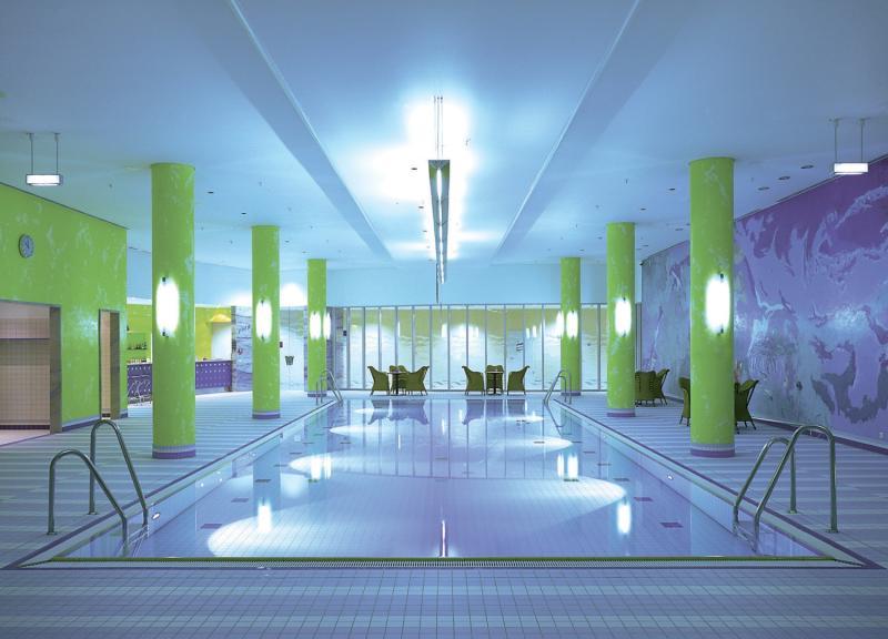 Hilton Munich Airport Pool