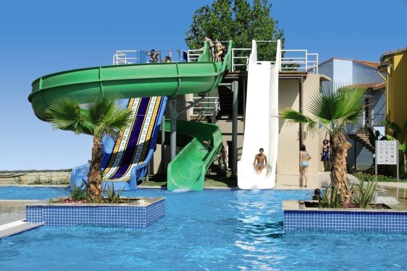 Lyra Resort Pool