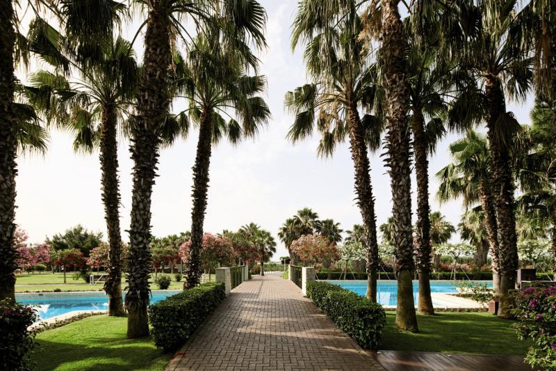 Gloria Serenity Resort Garten