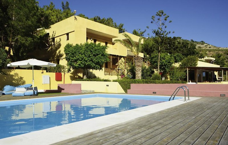 Porfyra Village Pool