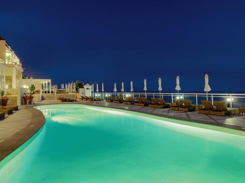 Xq El Palacete Pool