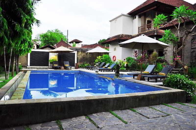 Puri Sading Pool