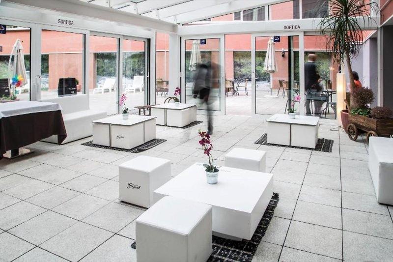 Centric Atiram Lounge/Empfang