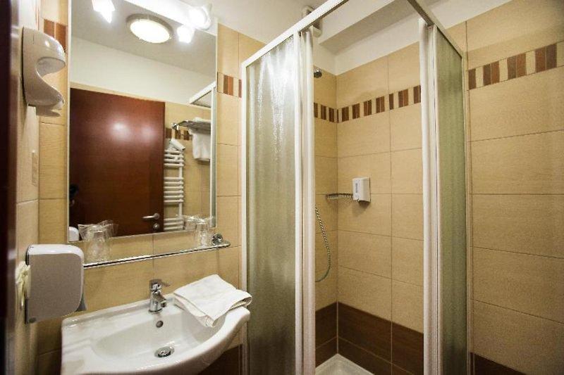 City Hotel Budapest Badezimmer