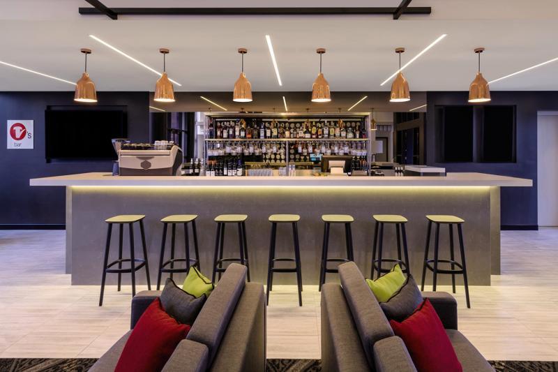 Travelodge Sydney Airport Bar