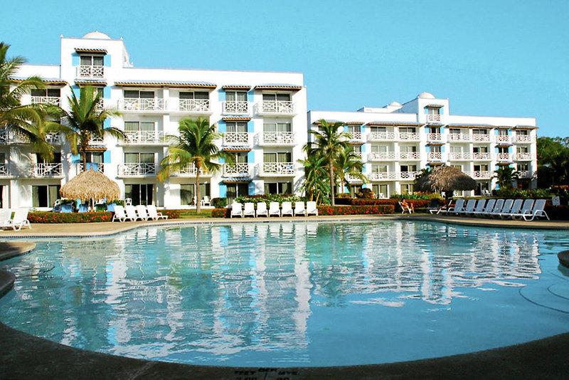 Playa Blanca Beach Resort & Spa Pool