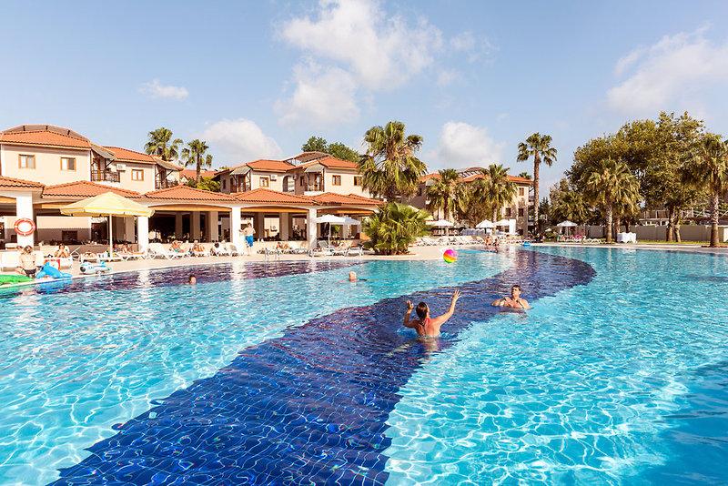 COOEE Serra Garden Pool