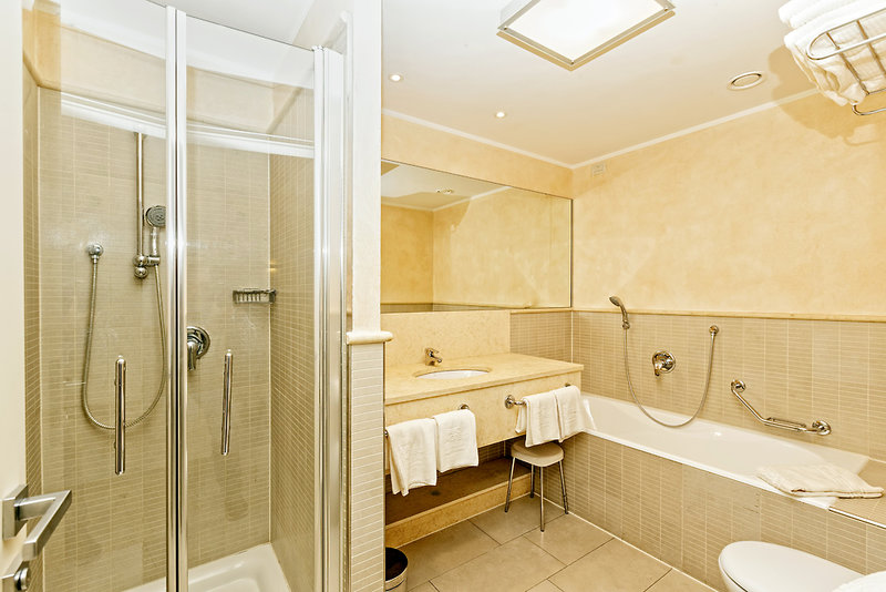 Parc Hotel Germano Suites & Apartments Badezimmer