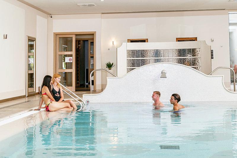 Parc Hotel Germano Suites & Apartments Hallenbad