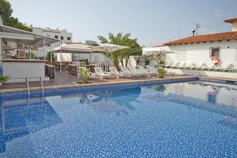 Hostal Montesol Pool