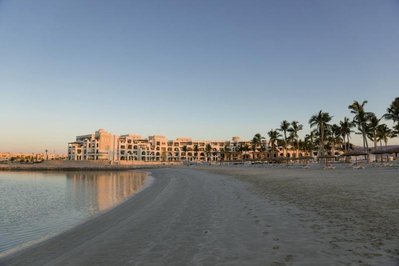 Fanar Hotel & Residences Strand