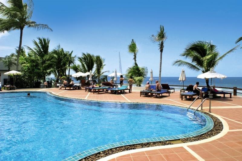 Banana Fan Sea Resort Pool