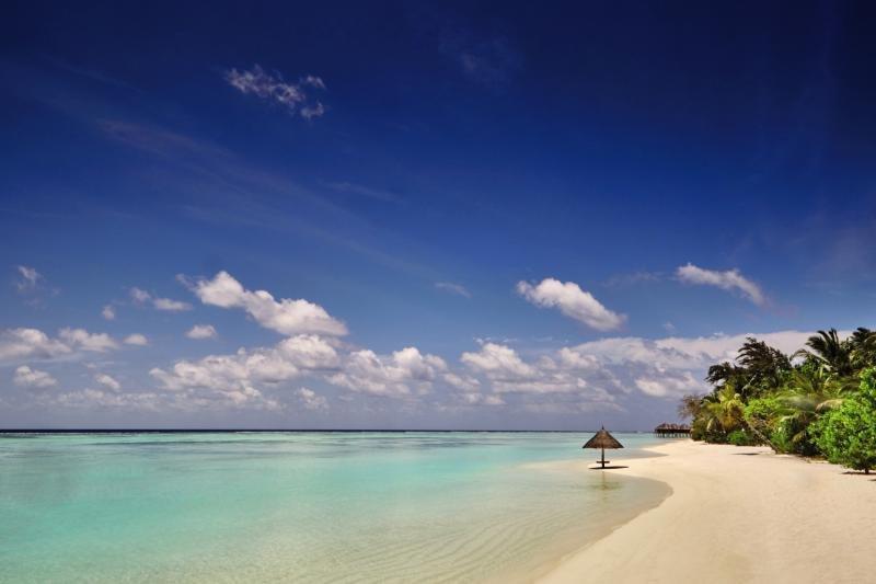 LUX* South Ari Atoll Strand