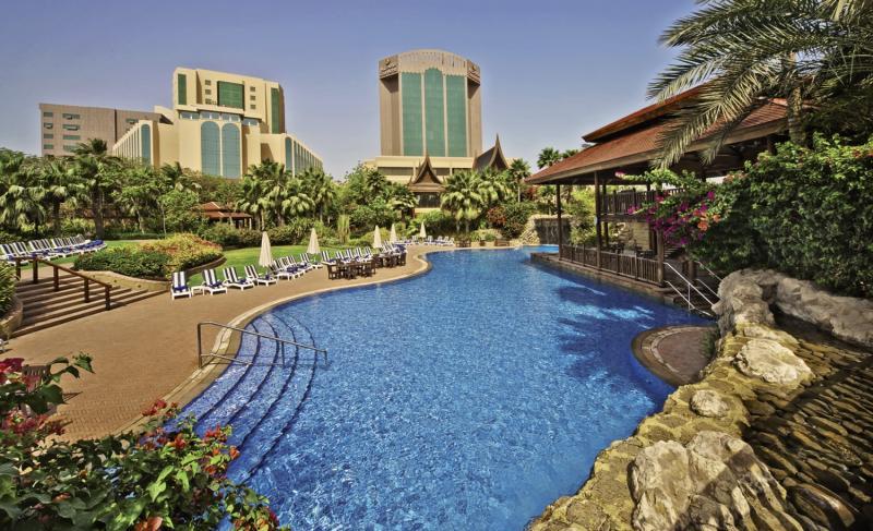 The Gulf Hotel Bahrain Pool