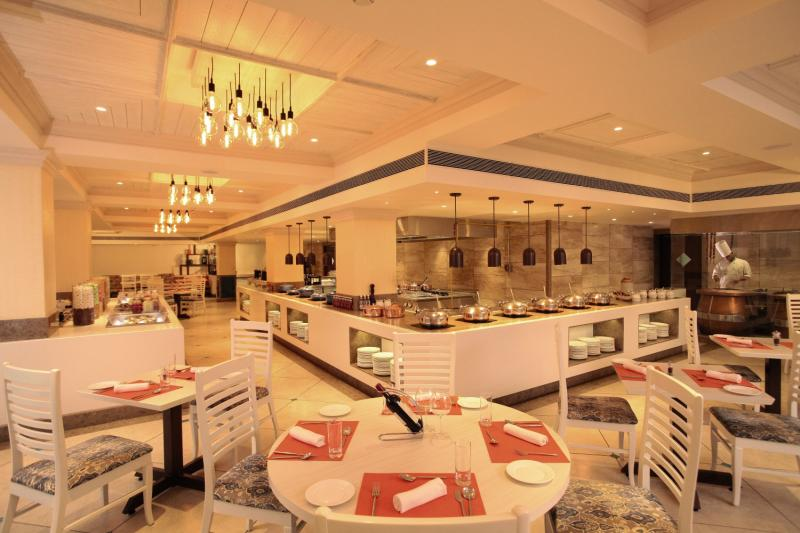 Holiday Inn Resort Goa Restaurant