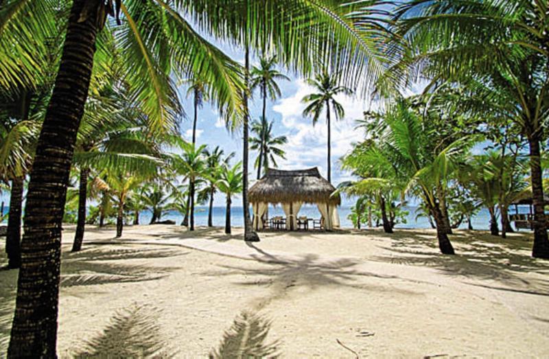 Coco Grove Beach Resort Strand