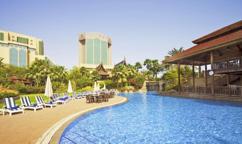 Gulf Hotel Bahrain Pool