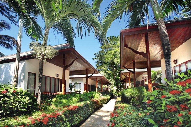 Banana Fan Sea Resort Außenaufnahme