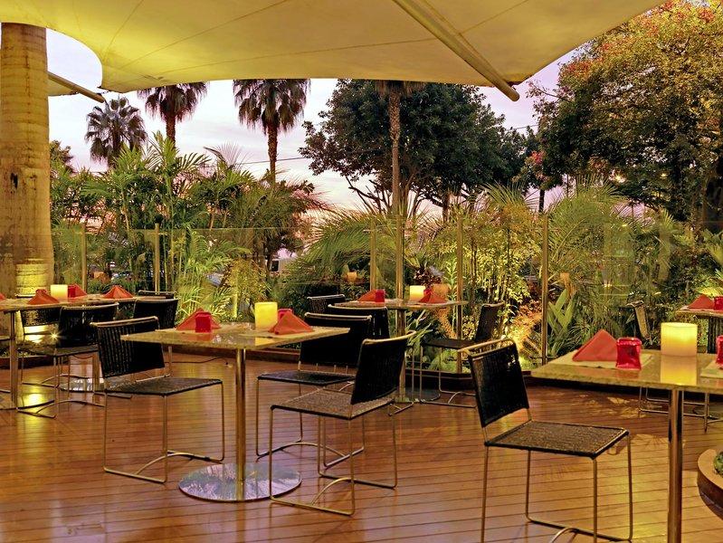 Belmond Miraflores Park  Terrasse