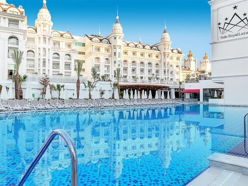 Side Royal Luxury Hotel & Spa Pool