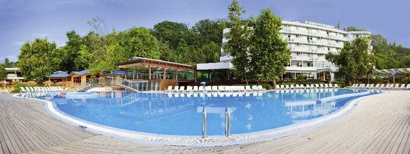 Arabella Beach Pool