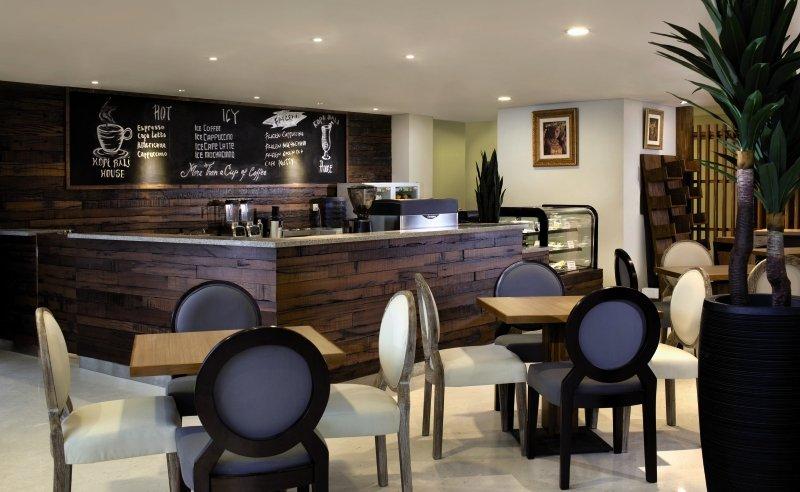 PrimeBiz Kuta Hotel Bar