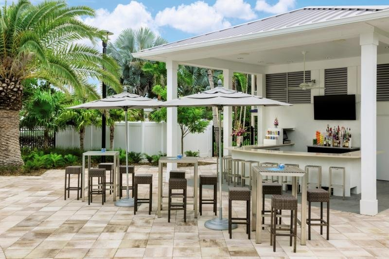 Fairfield Inn & Suites Key West at The Keys Collection Bar