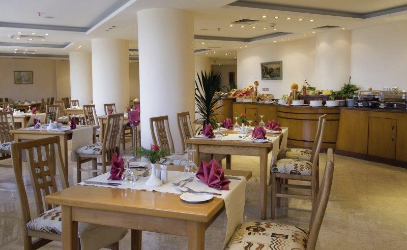 Swiss Inn Nile Restaurant