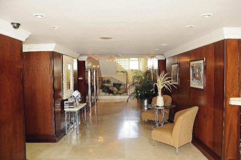 Brickell Bay Beach Club & Spa - Erwachsenenhotel Lounge/Empfang