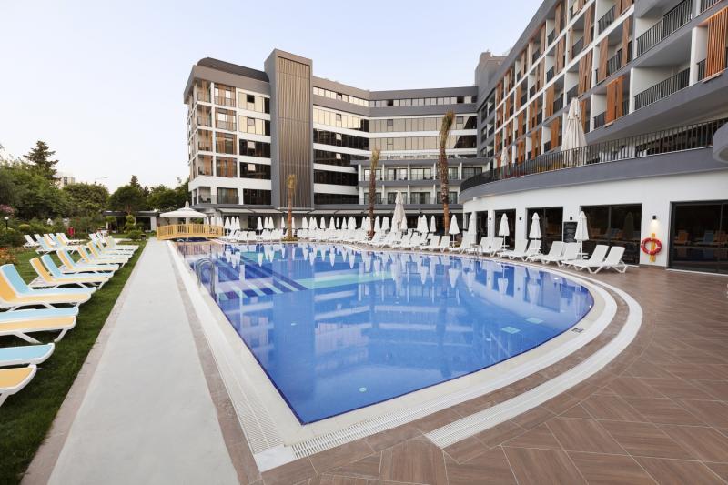 The Raga Side - Erwachsenenhotel Pool