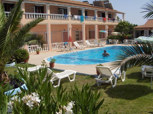 Urlaub im Elena Pool Apartments - hier günstig online buchen