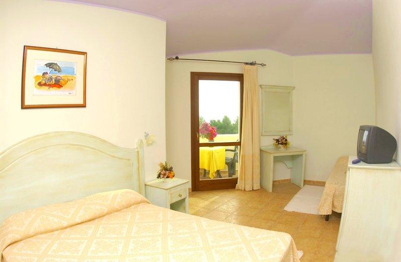 Urlaub im Club Esse Cala Gonone Beach Village - hier günstig online buchen