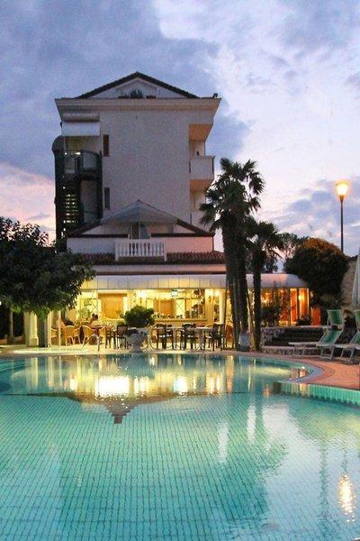 Urlaub im Park Hotel Cellini - hier günstig online buchen