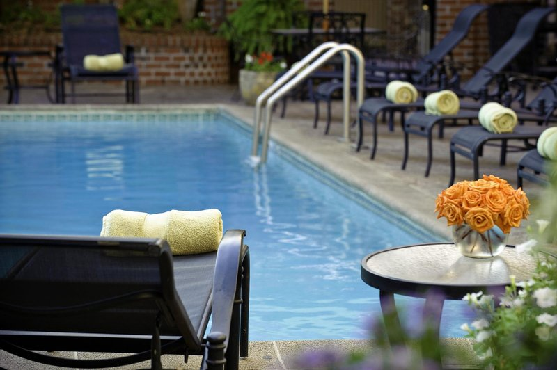Four Points by Sheraton French Quarter Pool
