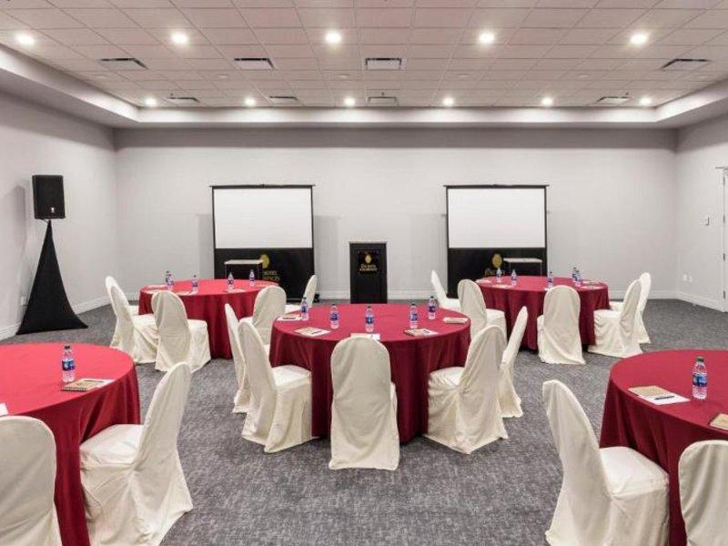 The Jung Hotel & Residences Konferenzraum
