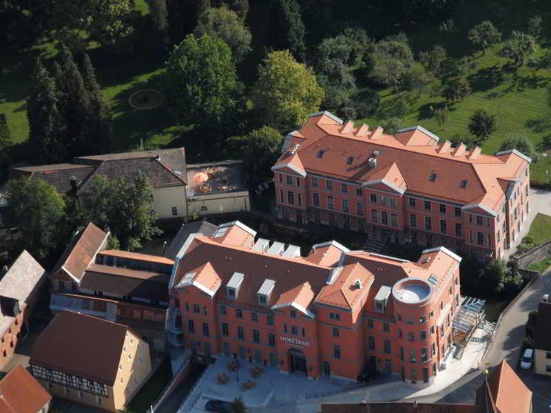 DORMERO Schlosshotel Reichenschwand Terrasse