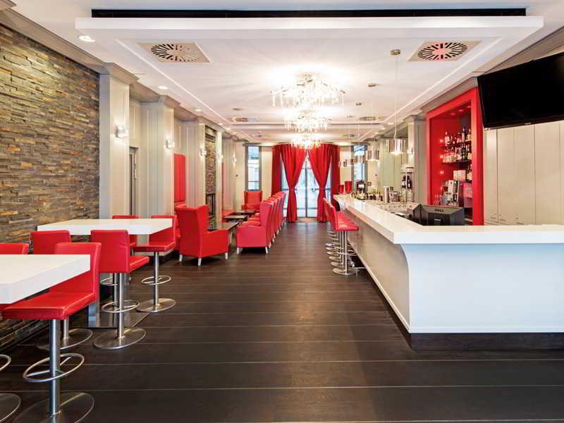 DORMERO Schlosshotel Reichenschwand Bar