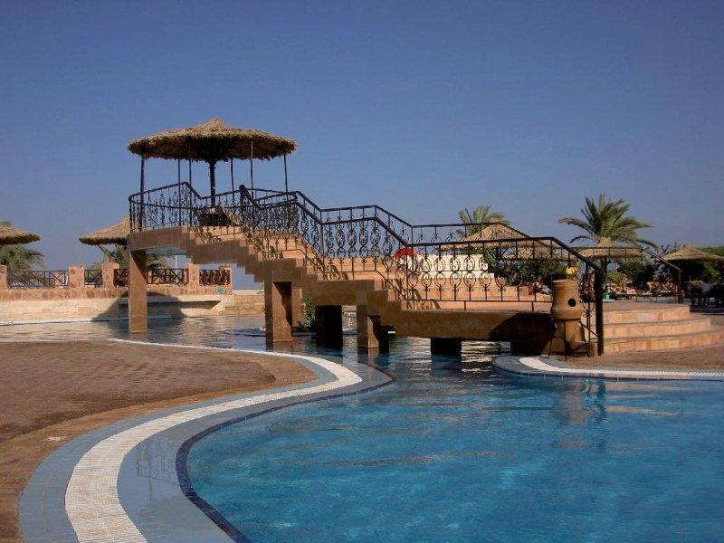 Flamenco Beach & Flamenco Resort Pool