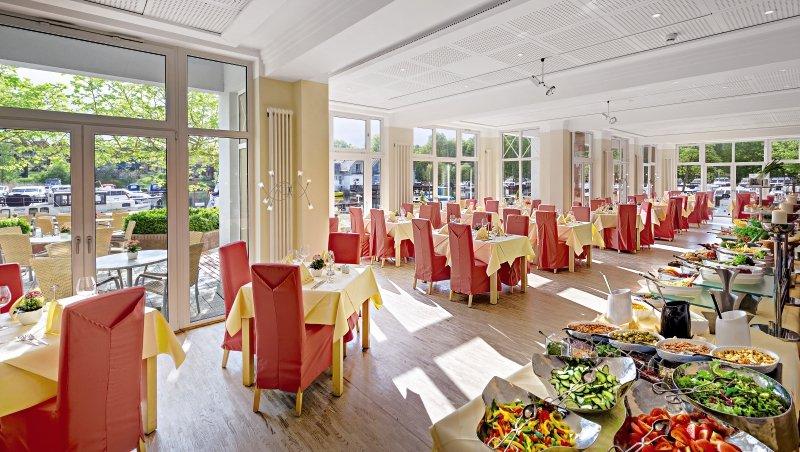 Precise Resort Marina Wolfsbruch Frühstücksraum