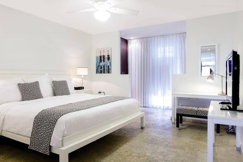 Floris Suite Hotel - Spa & Beachclub - Erwachsenenhotel Wohnbeispiel