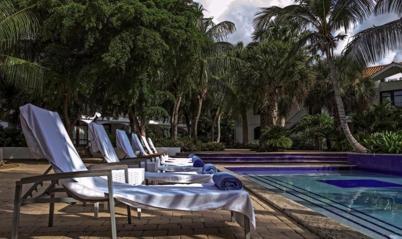 Floris Suite Hotel - Spa & Beachclub - Erwachsenenhotel Terrasse